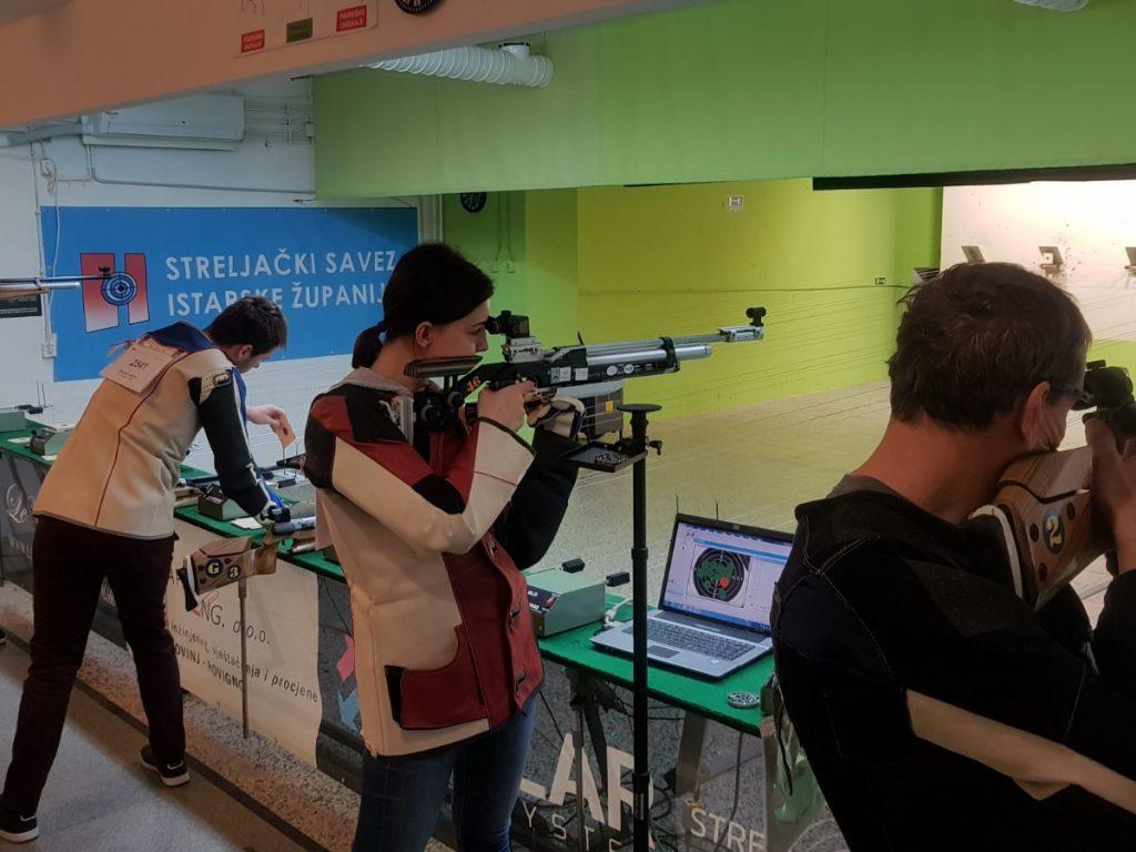 ekipa seniorka streljačkog kluba rovinj na županijskom natjecanju